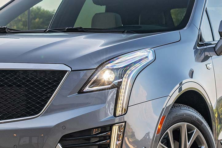 Cadillac XT5 2020, camioneta lujosa incluye luces traseras LED